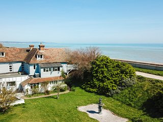 Dymchurch Villa Sleeps 15 - 5217608