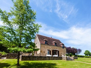 5 bedroom Villa in Moulins-Engilbert, Bourgogne-Franche-Comte, France : ref 5429