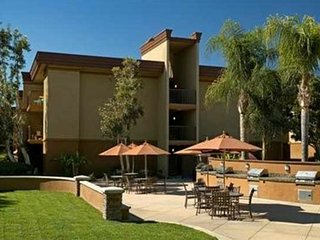 Chic-Classy Private Room in Central Area,Close to Disney & Anaheim Packing House