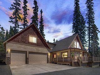 4th Night FREE*Private Luxury Home Nr Suncadia,Game Rm-Hot Tub-Outdoor Living