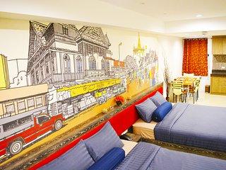 Luxurious, free wifi ,5 min from BTS, Near Silom
