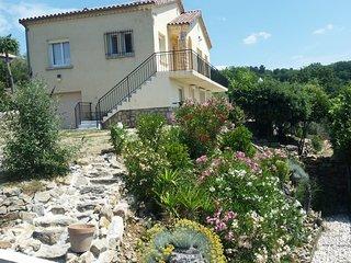 Magnifique Location en sud-Ardèche avec piscine !