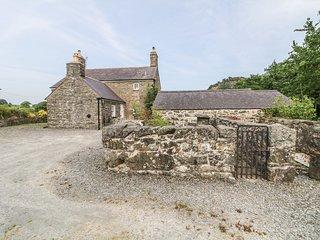 TY BWLCYN, Grade II listed, open-plan, Pwllheli