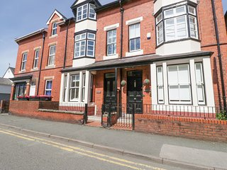 AROSFA, character town house, close amenities and coast in Beaumaris, Ref 21028