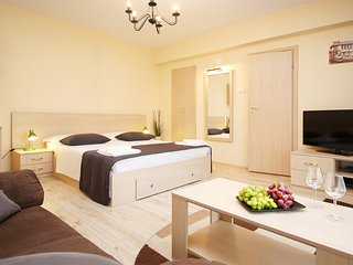 ★★★★Lovely studio - OLD TOWN BUCHAREST - Free cleaning bi-weekly