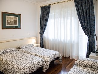 BIG APARTMENT AT VATICAN - ALL INCLUSIVE PRICE - FAMILIES and COUPLES WELCOME !