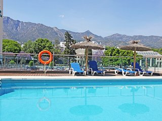 1139 Marbella Center modern apartment 300 meter > beach