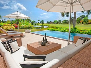 **Stay 7 nights and pay for 5 nights**  Sunset Ridge - 3 Bedrooms Modern Villa