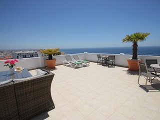 Stunning, stylish 2 bedroom apartment with amazing panoramic sea and town views