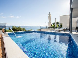 NEW !!! Top studio - swimming pool