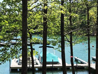 'NOLABAMA CONDO' on Lake Martin, Stillwaters' Resort - Boatslip - Golfing
