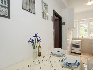 Apartments Kalajzic - Two Bedroom Apartment with Garden and Terrace(A2)