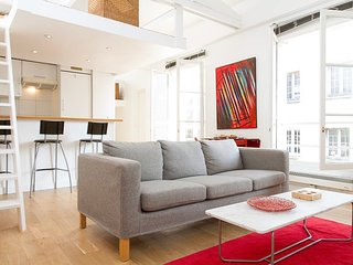 White Loft Apartment in Le Marais