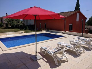 House Lizzul with private swimming pool