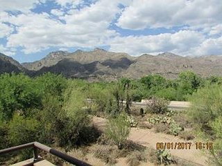 2nd Floor Stunning Mtn Views  -  rustic decor accenting the Charm of Tucson!