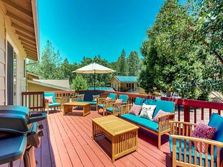 Family-friendly cabin w/ shared pool, tennis & on-site golf - lake nearby!