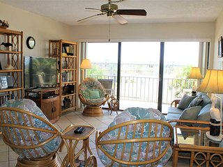 Ocean & Intracoastal views from 2 bedroom condo - Ocean House Condo #317