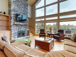 Bend Mountain View Retreat - Luxurious, Spacious with Amazing Views