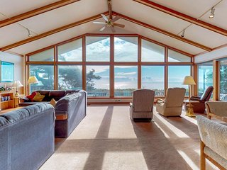 Stunning oceanfront home w/ private hot tub & 140-degrees of stunning views!