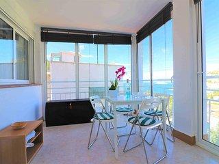 Apartamento alquiler vistas al mar en Canyelles Petites-Roses-C.Rocosas