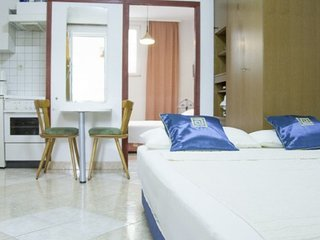 Apartment Lili  2  for 2 persons , beach 30 m Zadar Diklo