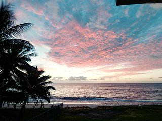 Maili Cove - Beach Getaway!