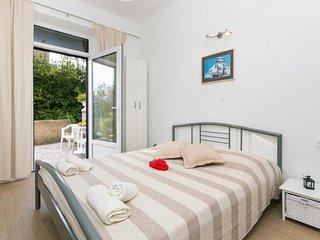 Studios IM - Studio Apartment with Patio (A1)