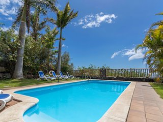 Holiday cottage with shared pool in Mazo
