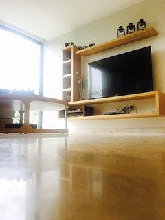 Living room & entertainment