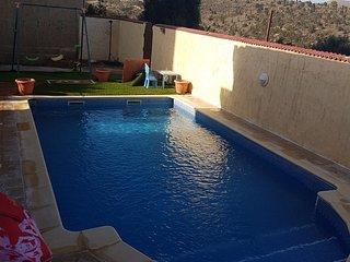 Villa piscine sans vis a vis ghazaouet Algérie