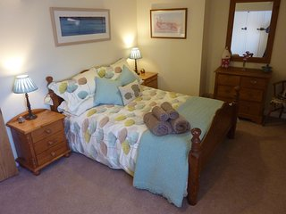 Farmhouse Bed & Breakfast, Double & Double/Twin Rooms,15 minutes from Hay-on-Wye