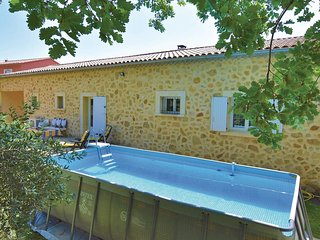 3 bedroom Villa in Serignan-du-Comtat, Provence-Alpes-Cote d'Azur, France : ref