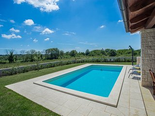 3 bedroom Villa in Kirmenjak, Istria, Croatia : ref 5636173