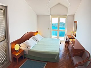 Apartments Sipa - Premium Two Bedroom Apartment with Balcony and Sea View