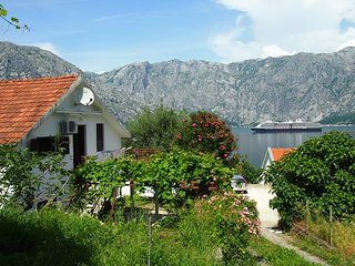 Holiday house in the Kotor Bay