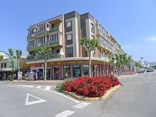 2 bedroom Apartment in Empuriabrava, Catalonia, Spain : ref 5514586