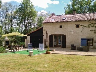 4 bedroom Villa in Fleuransan, Nouvelle-Aquitaine, France : ref 5536015