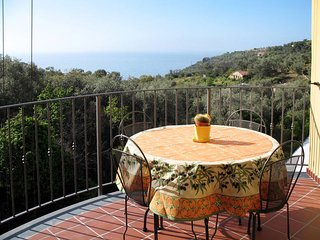 2 bedroom Apartment in Poggi Inferiore Poggi Superiore, Liguria, Italy : ref 544
