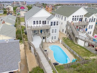 Paradise Found: 8 BR / 8 BA eight bedroom house in Nags Head, Sleeps 19