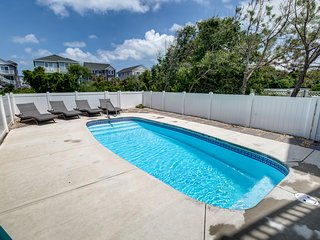 Makin M'Emerys | 760 ft from the beach | Dog Friendly, Private Pool