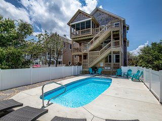 Makin M'Emerys | 760 ft from the beach | Dog Friendly, Private Pool | Nags Head