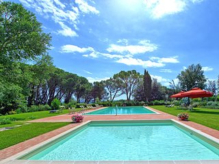10 bedroom Villa in Palaia, Tuscany, Italy : ref 5240517