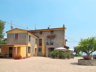 2 bedroom Apartment in San Piero in Campo, Tuscany, Italy : ref 5451882