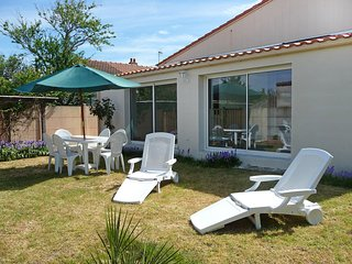 2 bedroom Villa in Pornic, Pays de la Loire, France : ref 5555039