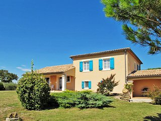4 bedroom Villa in Valréas, Provence-Alpes-Côte d'Azur, France : ref 5443485