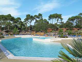 2 bedroom Apartment in Seignosse, Nouvelle-Aquitaine, France : ref 5473675