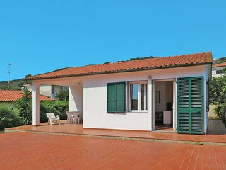 2 bedroom Villa in Cavo, Tuscany, Italy - 5437739