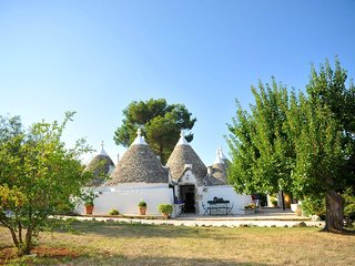 5 bedroom Villa in Cisternino, Apulia, Italy : ref 5248099
