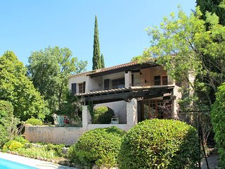 2 bedroom Villa in Lorgues, Provence-Alpes-Cote d'Azur, France : ref 5437098