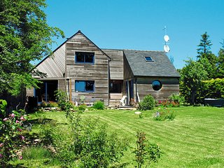 2 bedroom Villa in Kerguillaouet, Brittany, France : ref 5438236